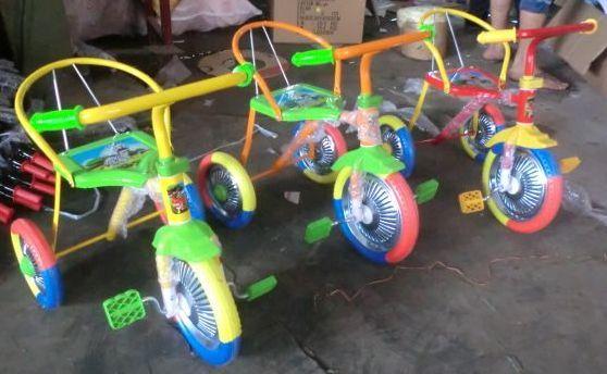 Велосипед трехколесный с хром. колесами
